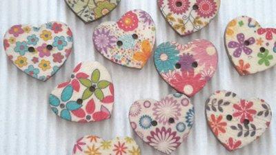 10 bottoni legno cuore stampati 25 x25mm
