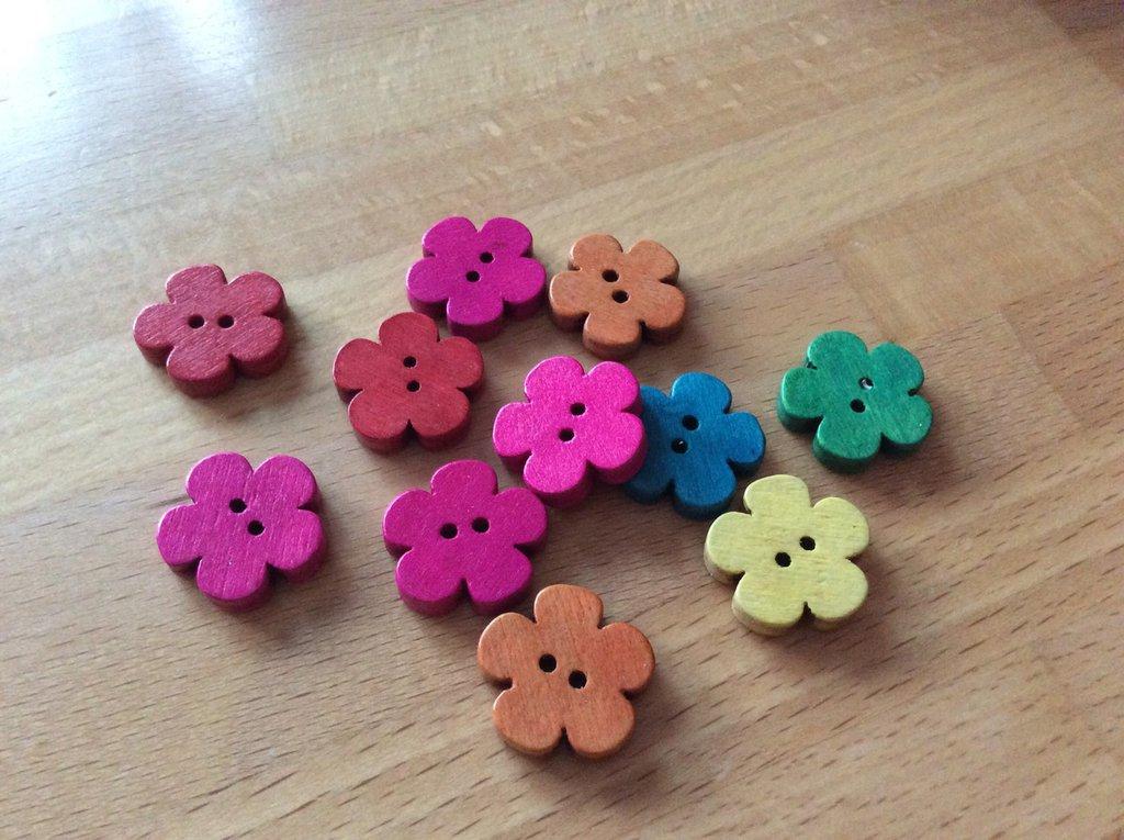 20 Bottoni fiore legno