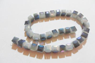 CUBI SFACCETTATI IN CRISTALLO azzurro grigio 10 mm
