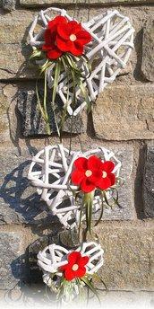 Fuoriporta: catenella 3 cuori di carta kraft fiorellini in feltro pendente cuore in metallo, un cuore in metallo.