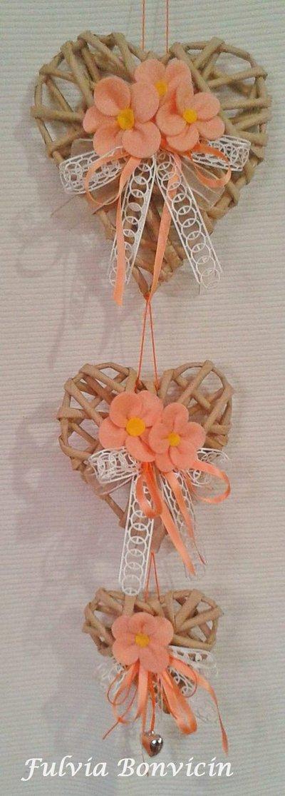 Fuoriporta: catenella 3 cuori di carta kraft fiori in feltro pendente cuore in metallo