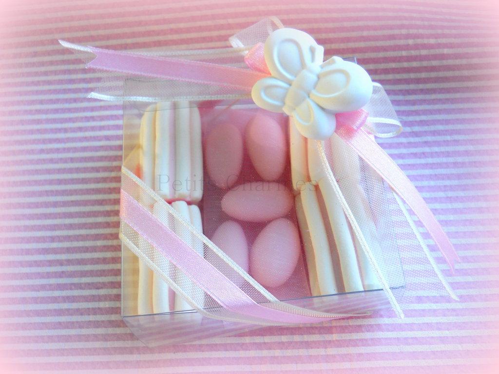 Bomboniera  gessetto profumato farfalla con marshmallow e confetti con mandorla