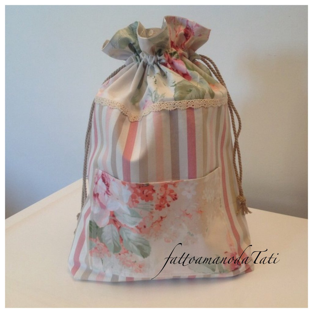 Sacchetto portatutto in cotone a righe e a fantasia floreale sui toni del rosa