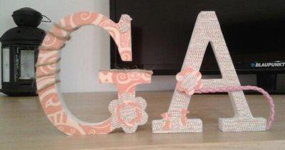 """Lettere di legno, decorate a mano, in stile """"Scrap Booking"""""""