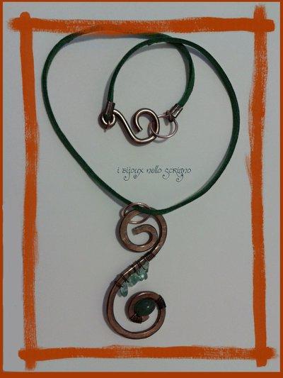 Collana con doppia spirale e avventurina verde