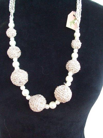 collana uncinetto sfere perle cotone