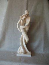 coppia di figure stilizzate