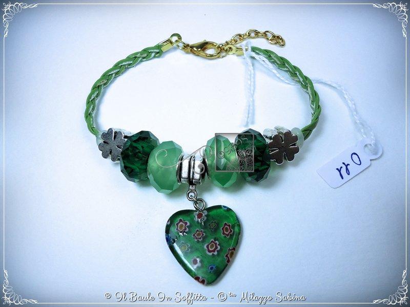 Bracciale in pelle intrecciata con murrina e perle a foro largo: Verde - HandMade