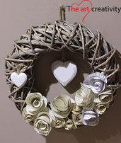 """Ghirlanda """"Fiori di carta, cuore di legno """""""