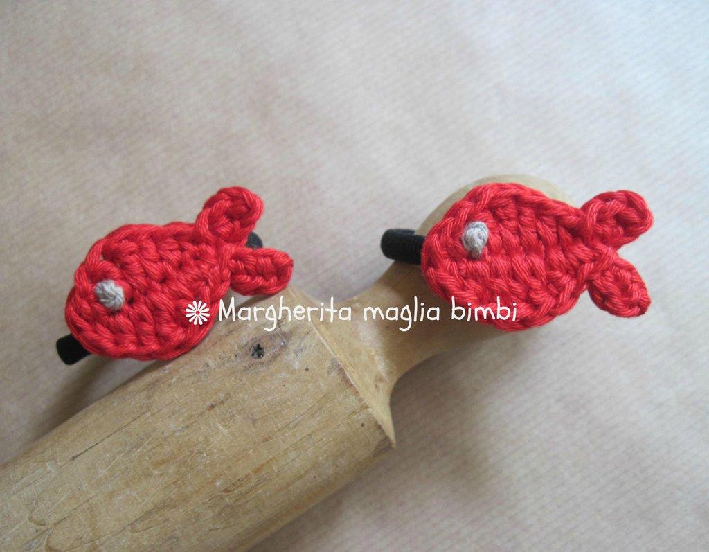 Elastico per capelli con pesciolino rosso in cotone fatto a mano all'uncinetto