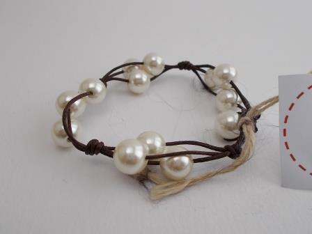 Bracciale cuoio e perle