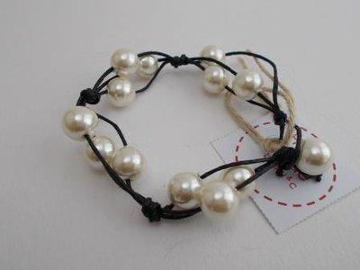 Bracciale cordino nero e perle
