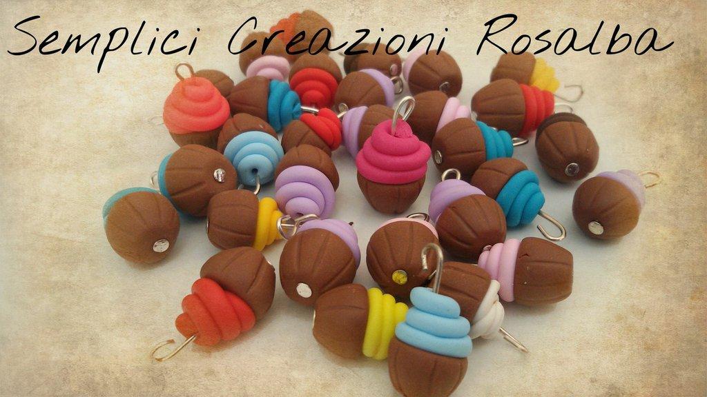 Ciondoli fimo cupcake o dolcetti, realistico, lotto ciondoli , fatti a mano, ideali per orecchini e bracciali..