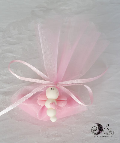 Bomboniere battesimo ciondoli confezionamento completo confetti