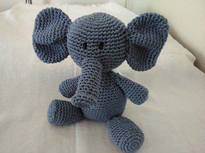 Elefantino celeste amigurumi