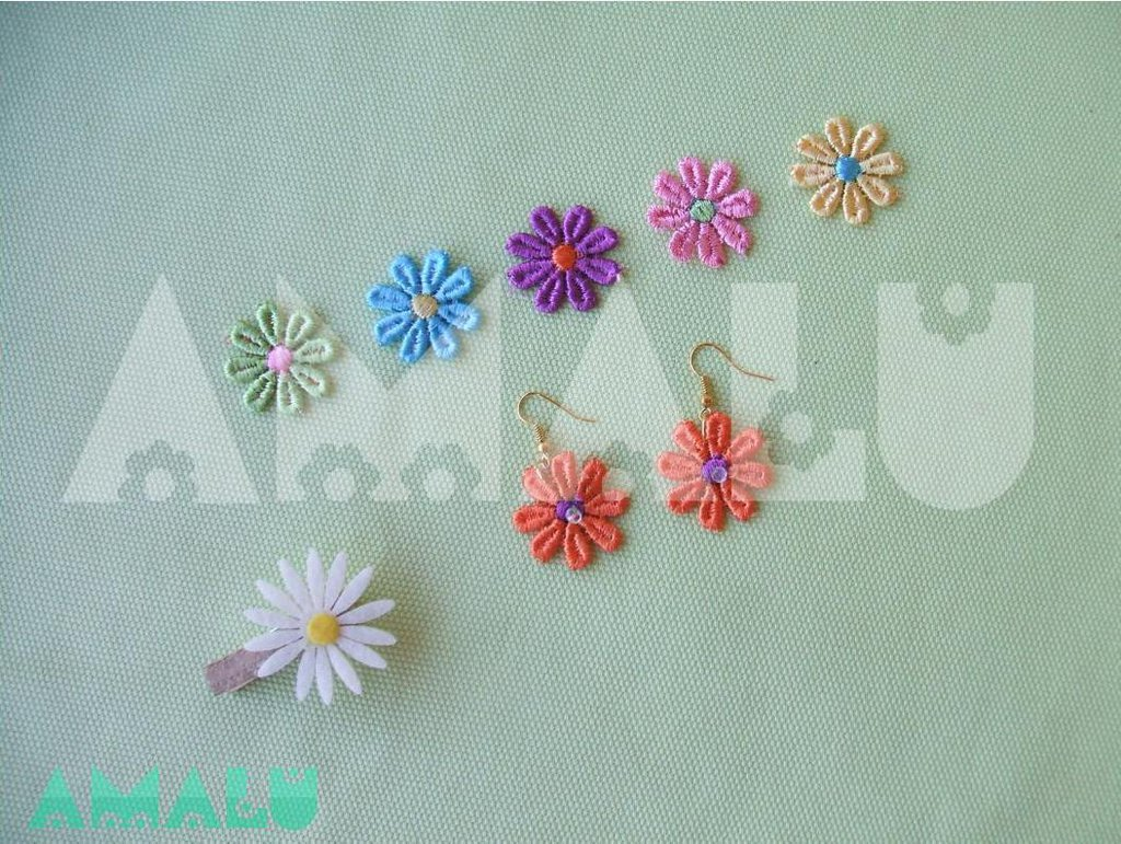 Orecchini con fiori in macramè - Linea Daisy