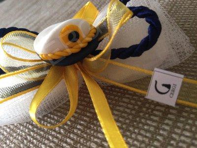 Bomboniera a caramella in tulle avorio decorata con berretto della Marina Militare interamente realizzato a mano in pasta FIMO