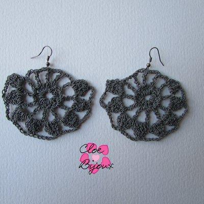 Orecchini Crochet grigio
