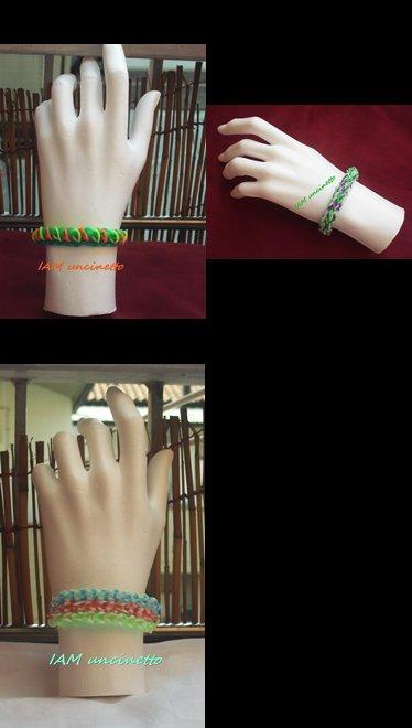 Braccialetti fatti intrecciando gli elastici colorati
