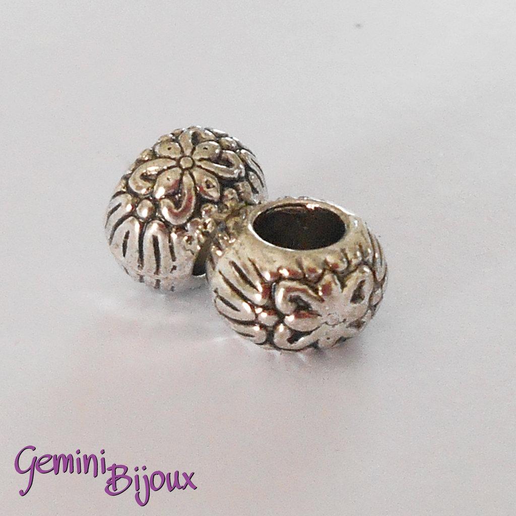 Perla tibetana in alluminio argentata a foro largo, mm 9X5. LH30