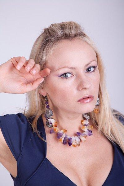 Collana con ametrina e ametista viola e dischi d'argento fatta a mano - necklace ametryne and purple amethyst and silver discs handmade.