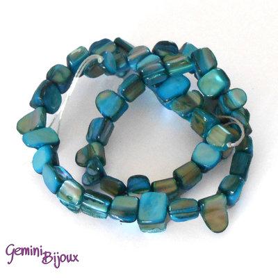 Fila 40 cm. pietre di madreperla, azzurro