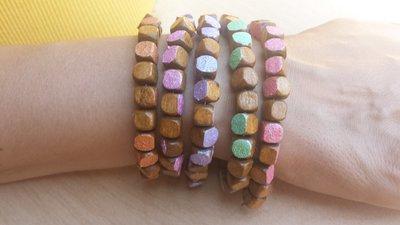 Bracciale in legno con colore metallizzato