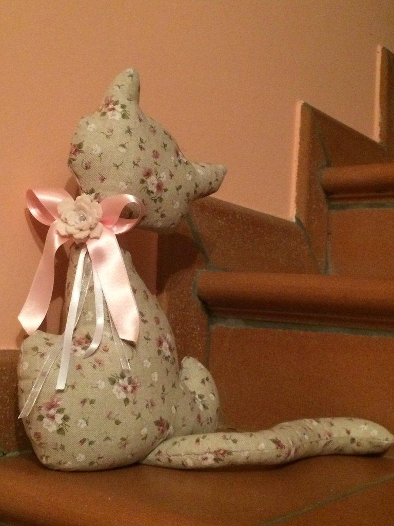 Gatto fermaporta rosa