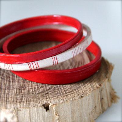 Bracciali etnici in ceramica, rosso e bianco perla