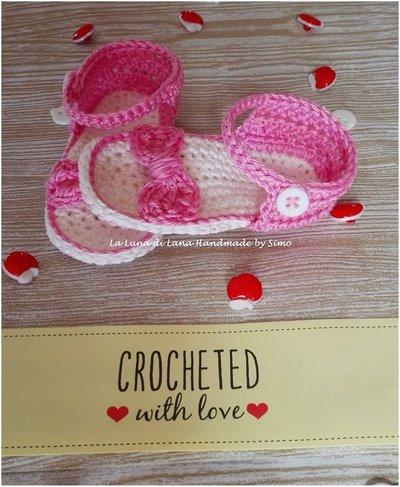 Sandali a uncinetto in cotone baby con fiocchetto per bimba neonata