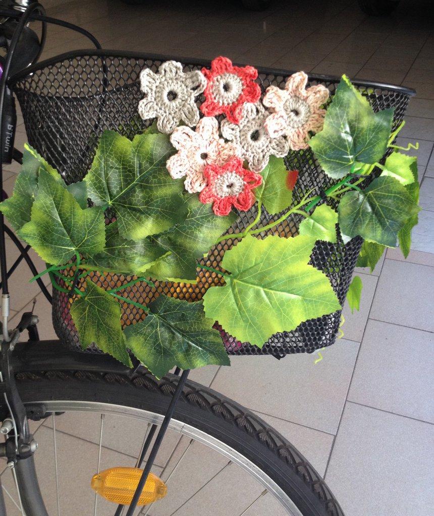 Cestino bici fiorito