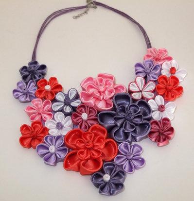 Collana kanzashi fatta a mano colore rosa, corallo,lilla