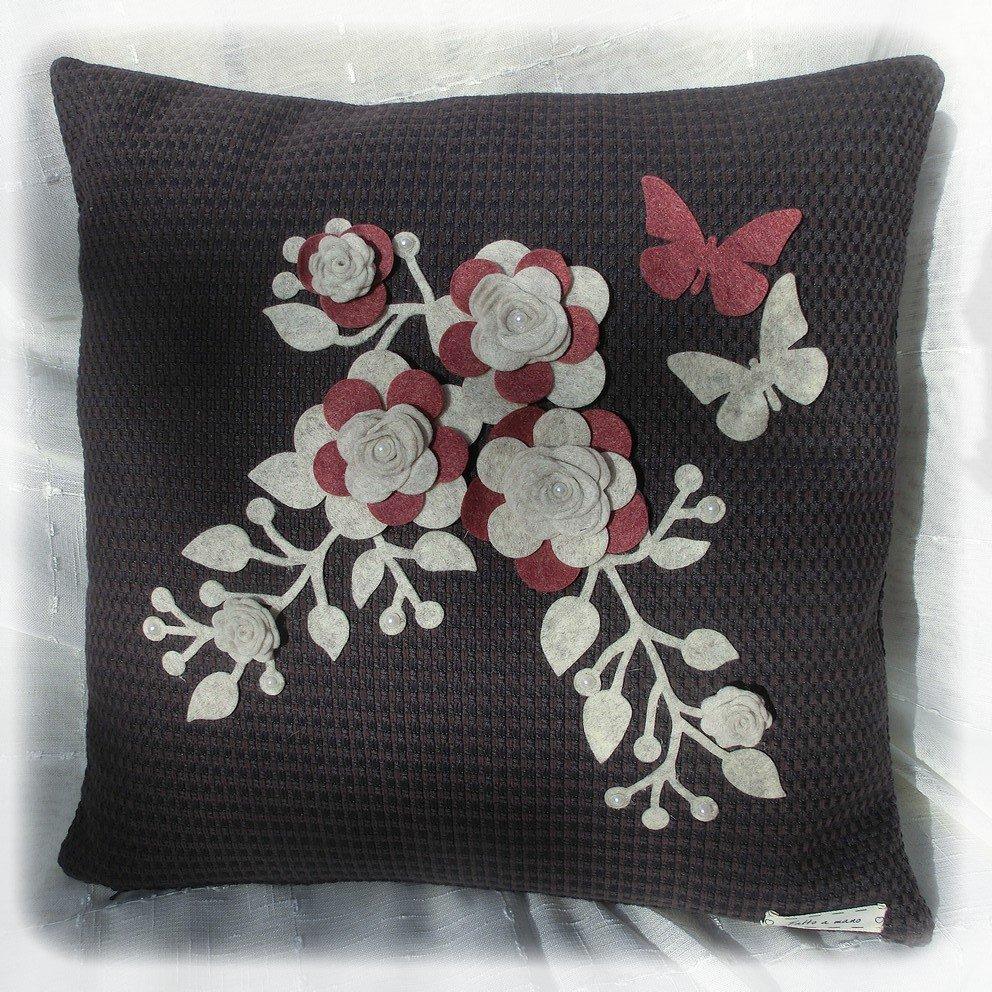 Cuscino viola floreale