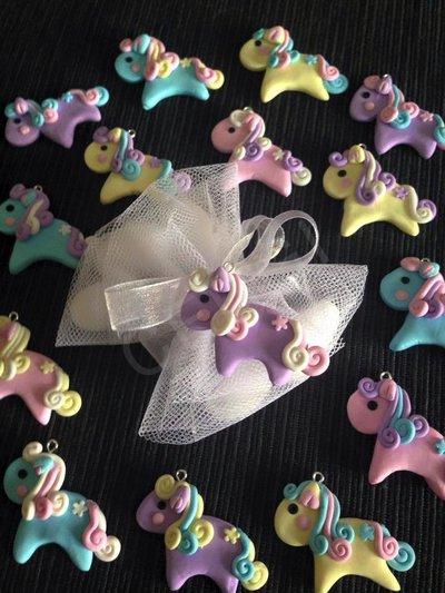 Cavallino MiniPony interamente realizzato a mano utilizzando pasta FIMO ideale per decorare e vostre bomboniere