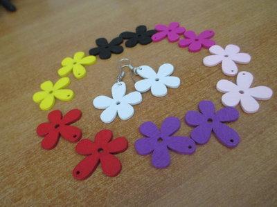 Orecchini con fiorellini colorati