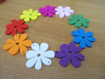Collana con fiori colorati