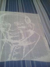 quadro all'uncinetto che rappresenta papa Francesco
