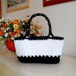 borsa bianca e nera