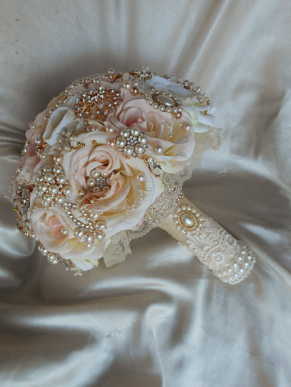 Bouquet Da Sposa Gioiello.Bouquet Gioiello Romantico Color Champagne Feste Matrimonio