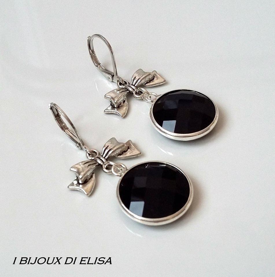 Orecchini con fiocchetto e mezzo cristallo nero