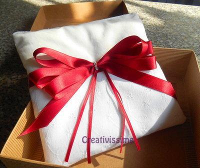 Inserzione privata per Gennyno - Portafedi con fascia di pizzo san gallo e fiocco di raso fatto a mano