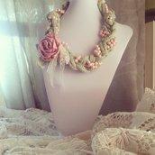 Collana shabby di perle e cotone