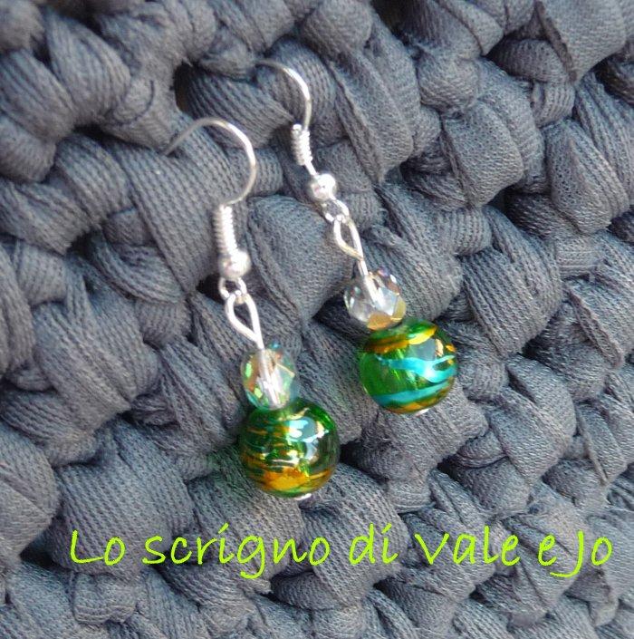 Orecchini con perla in vetro verde