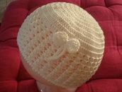 cappellino neonata ad uncinetto