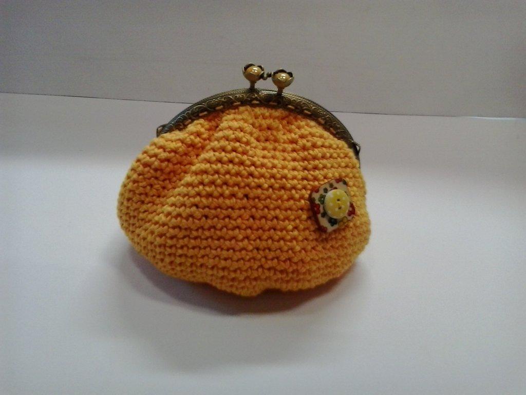 Pochette giallo sole con chiusura cilc-clac