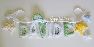 Davide: una ghirlanda di lettere imbottite per decorazioni in stoffa che decorano la sua cameretta!