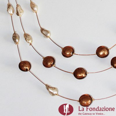 Collana 3 cavi acciaio con perle  ottone in vetro di Murano fatto a mano