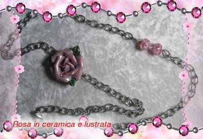 COLLANA con rosa in ceramica