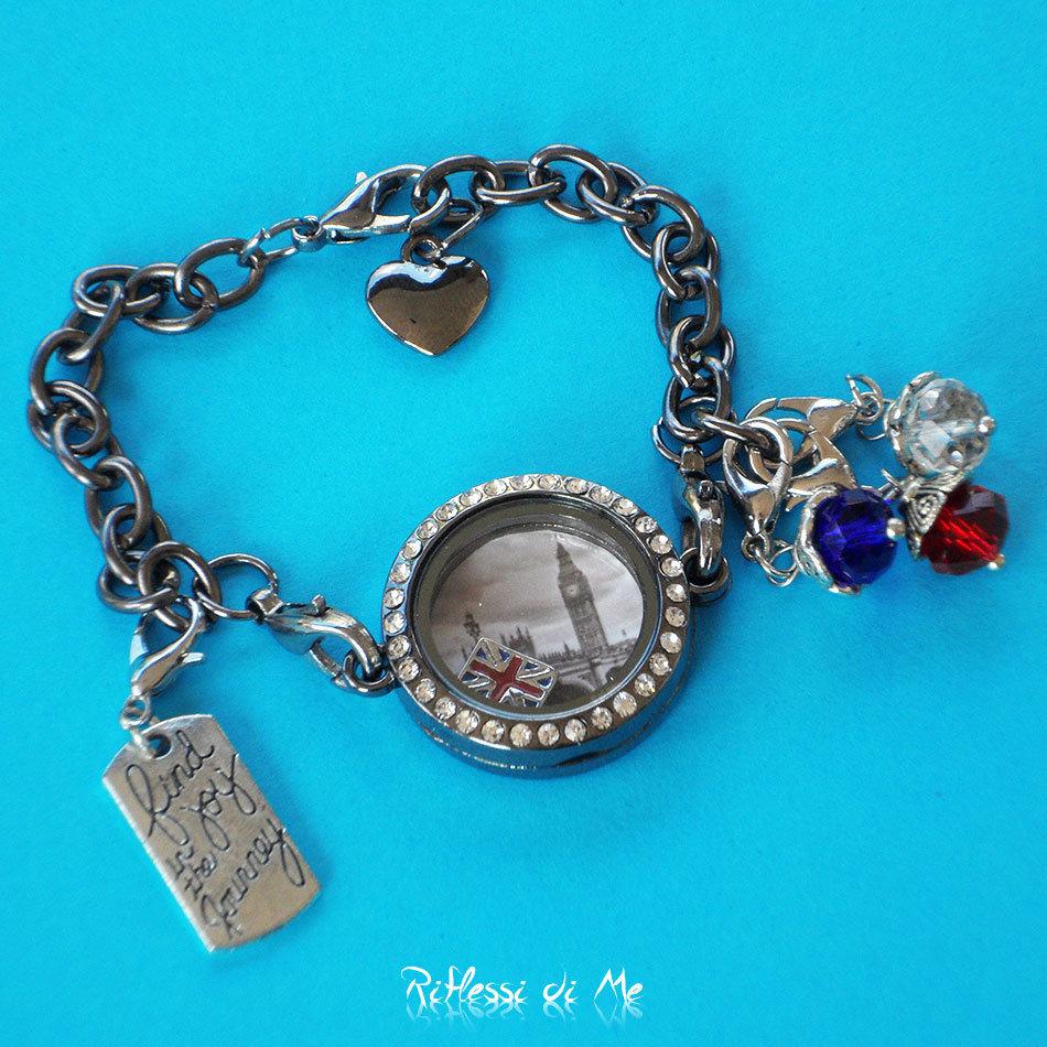 """Bracciale """"Londra"""" con medaglione in vetro, charms e ciondoli - argento scuro"""