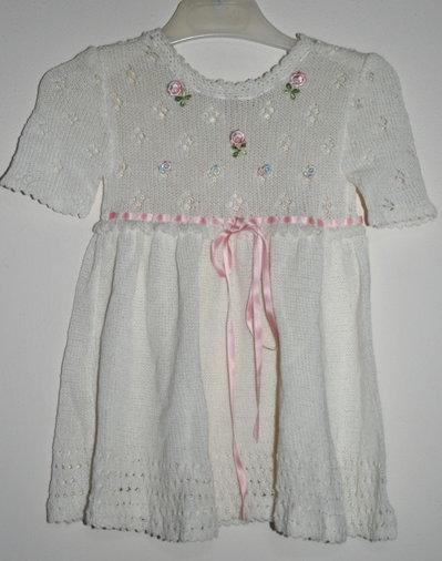 abito bambina realizzato a meno con roselline neonata battesimo